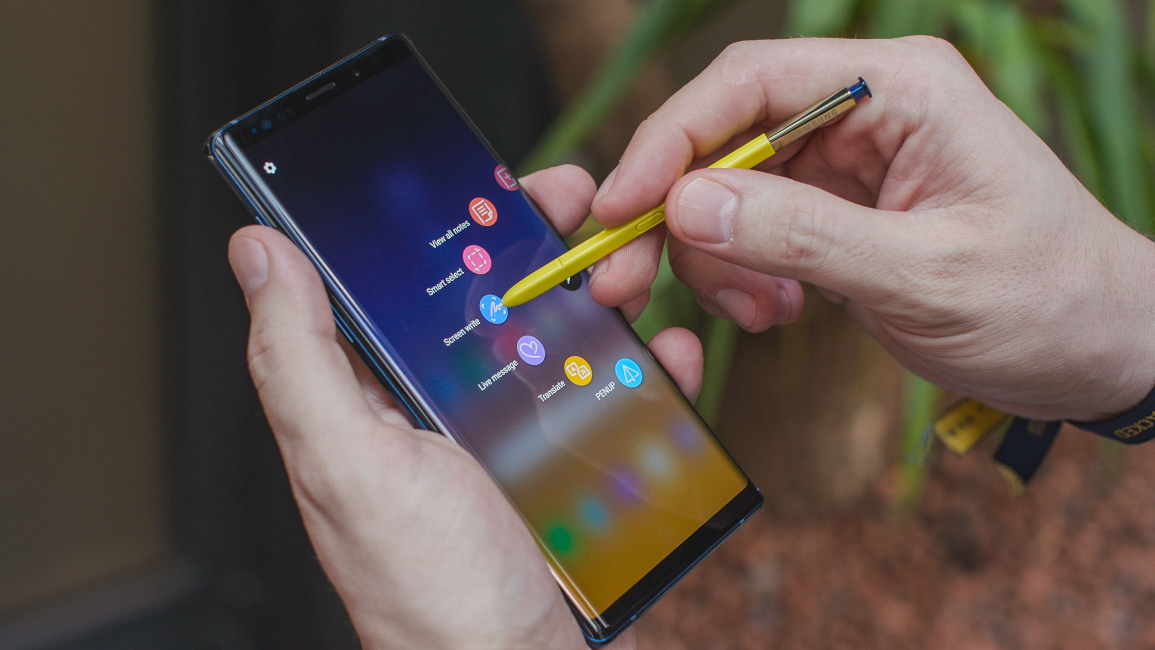 Galaxy Note 9 touch screen problems After Updating To Android 9.0, Wi-Fi Connection No Connection Galaxy Note 9, Fingerprint Not Working After Updating
