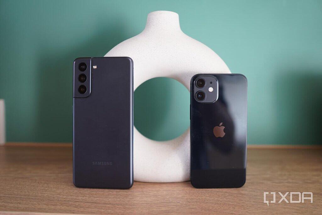 Samsung A52 vs iPhone 12 ,Samsung A52 Camera iPhone 12,Samsung A52 Camera Vs iPhone 12 Camera,Samsung A52 Vs iPhone 12 Speed,Samsung A52 Camera, iPhone 12 Cama